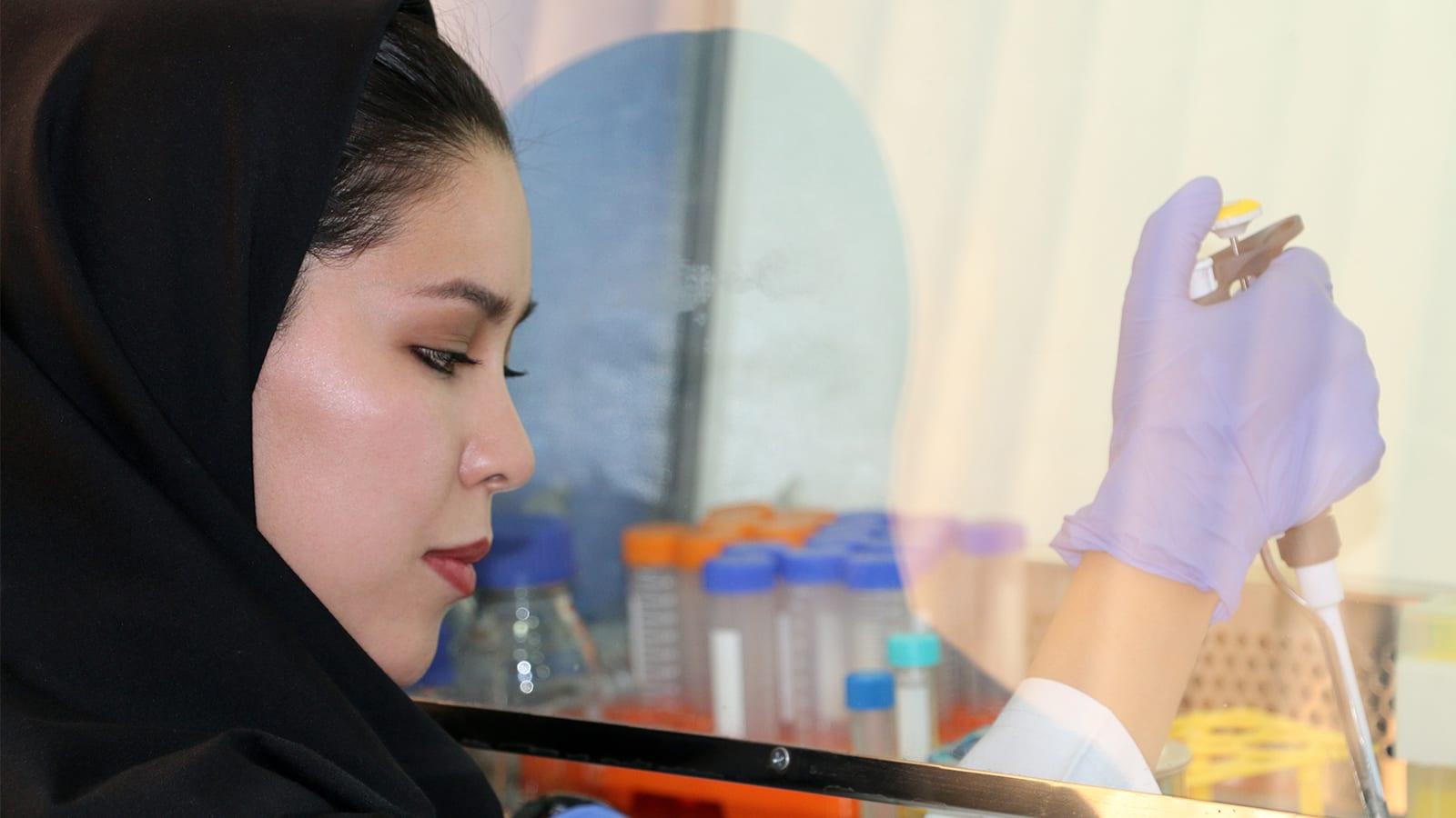 Fatemeh works in a lab